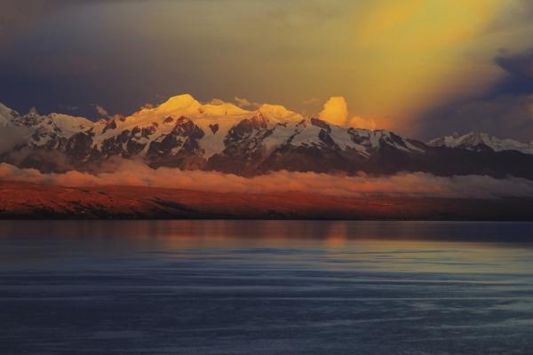 Cordillera desde la Isla del Sol